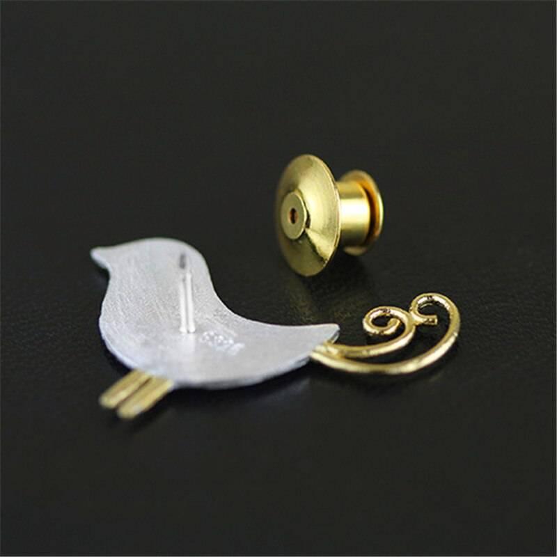 Silber-Pin, Kleiner Vogel mit Ringelschwanz, gebürstet und teil-vergoldet | 925 Brosche 925 Silber Broschen 4