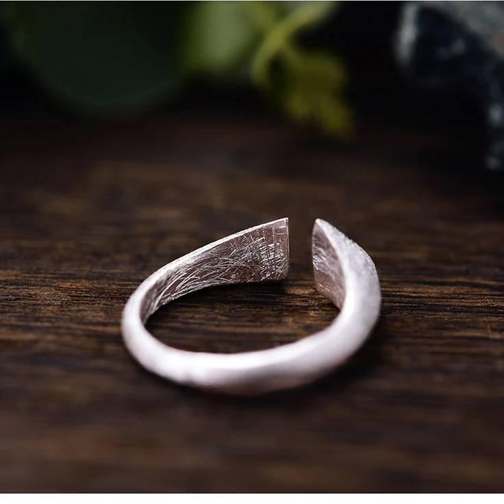 Grob mattierter, offener Silberring mit vergoldeten Spitzen | 925 Ringe 925 Silber Fingerringe Modern 4