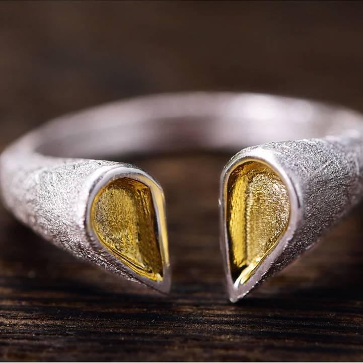 Grob mattierter, offener Silberring mit vergoldeten Spitzen | 925 Ringe 925 Silber Fingerringe Modern 5