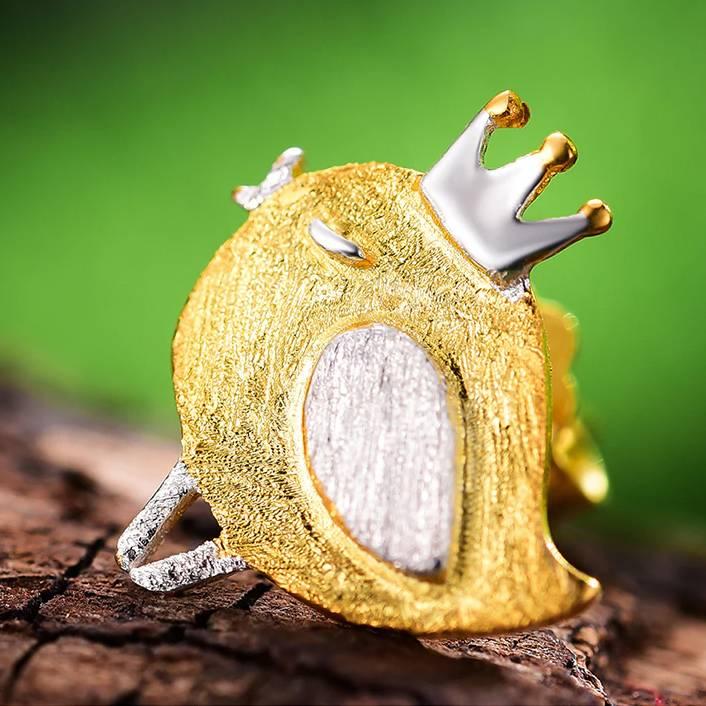 Kleiner Vogel mit Krone, gebürstet und teil-vergoldet   925 Ohrstecker 925 Ohrstecker klein 4